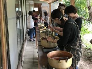 平城宮跡歴史公園 朱雀門ひろば 草木染体験教室